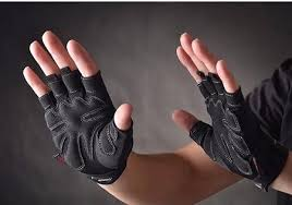 Benefits Of Wearing Gloves For CrossFit